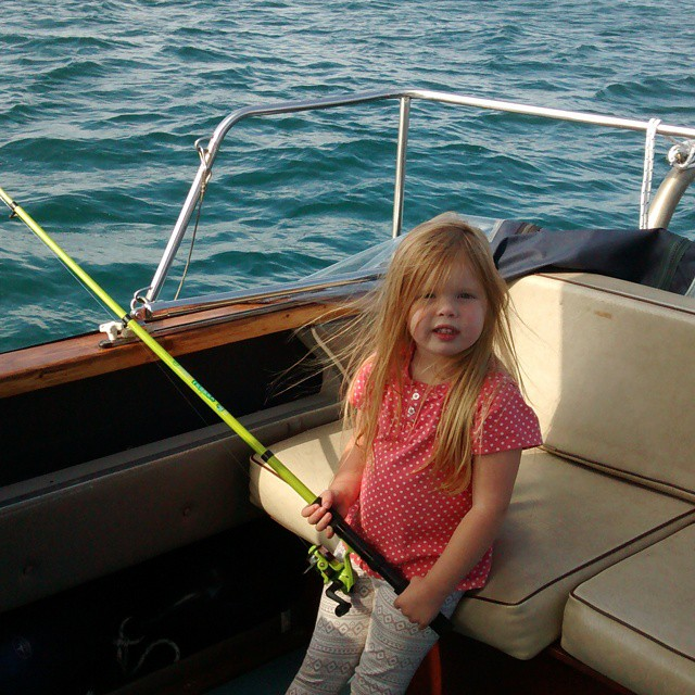 Doing a bit of #Fishing #boating #boatingwithkids