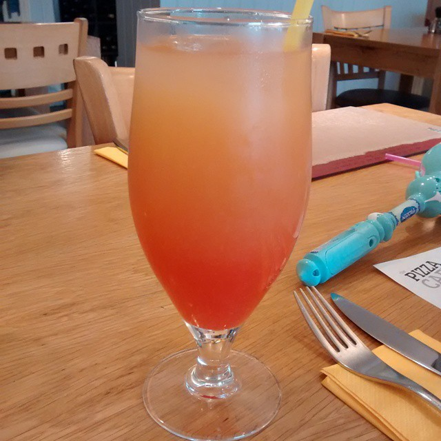 Fizzy Lizzy - pineapple, ginger beer & grenadine #yummy #Mocktail @pizzacafe @pizzacafenewton