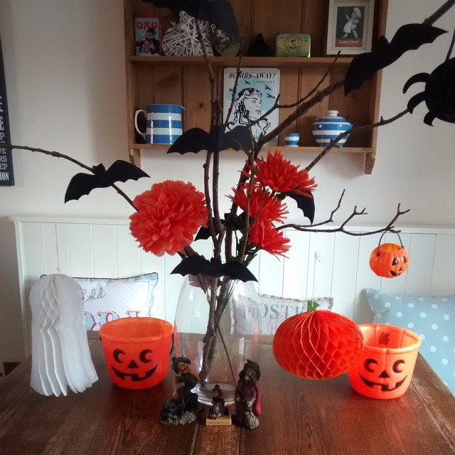 #Thrifty #Halloween decorating