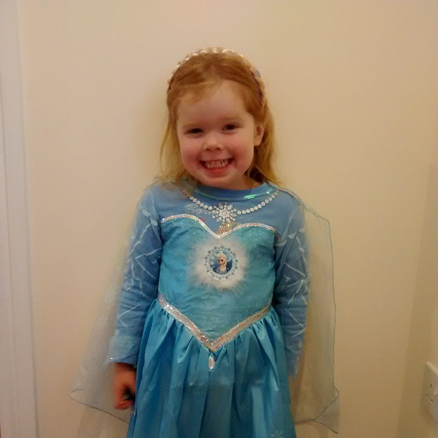 I have a little Elsa in my house :) #Frozen #Birthday