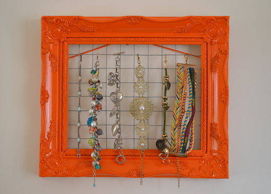 picture frame into jewellery holder