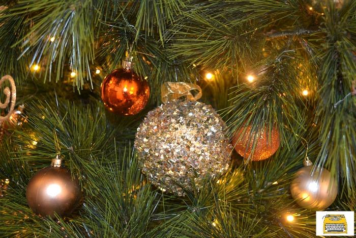gold-christmas